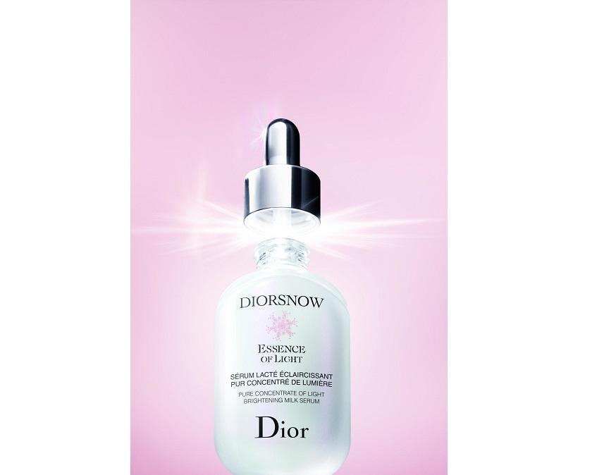 日本人女性の肌と美白ニーズから生まれた 「ディオールスノー」から新・美白美容液が新発売!