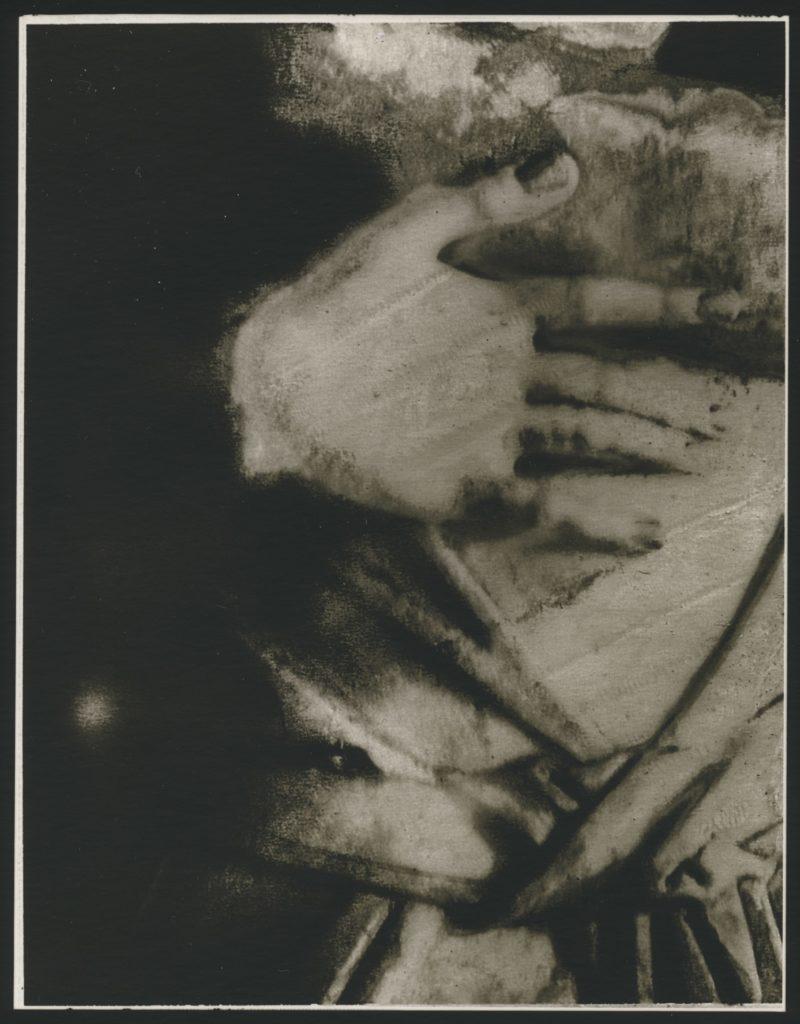サラ ムーンの個展 「D'un jour à l'autre 巡りゆく日々」開催!