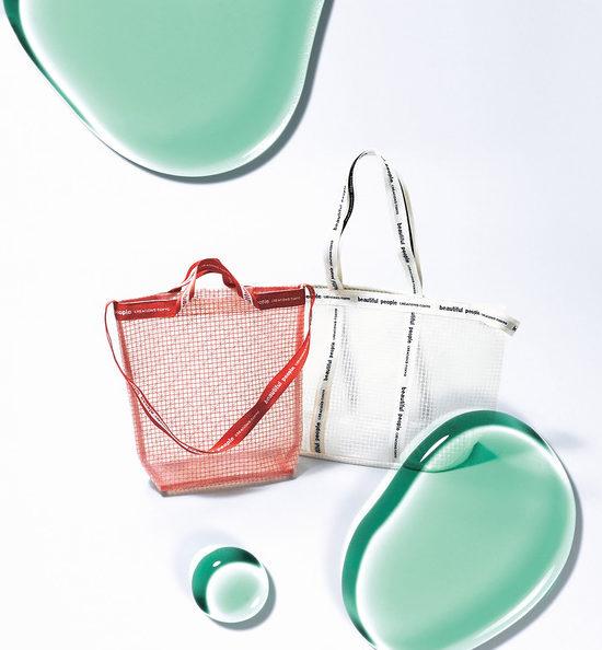"""オシャレで機能的♡""""PVC素材バッグ"""""""