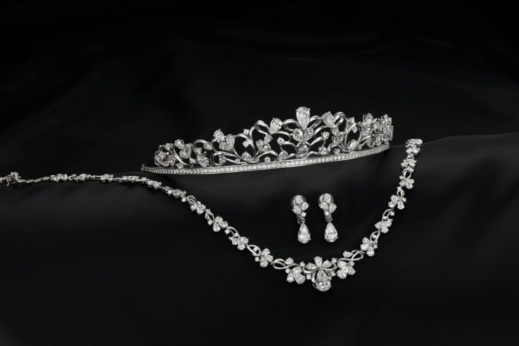 1億5千万円のダイヤモンド・ティアラセットが 身に着けられるチャンス!