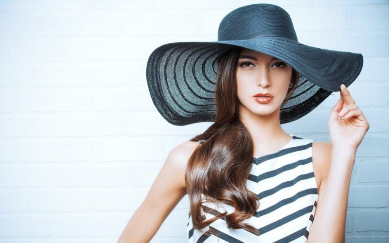 (5)女優帽はTPOが違うでしょ!