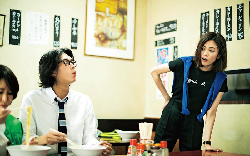 【7/17のコーデ】モモちゃんと万金でラーメンを食べていたらデート中の世那と亮子ちゃんに遭遇!