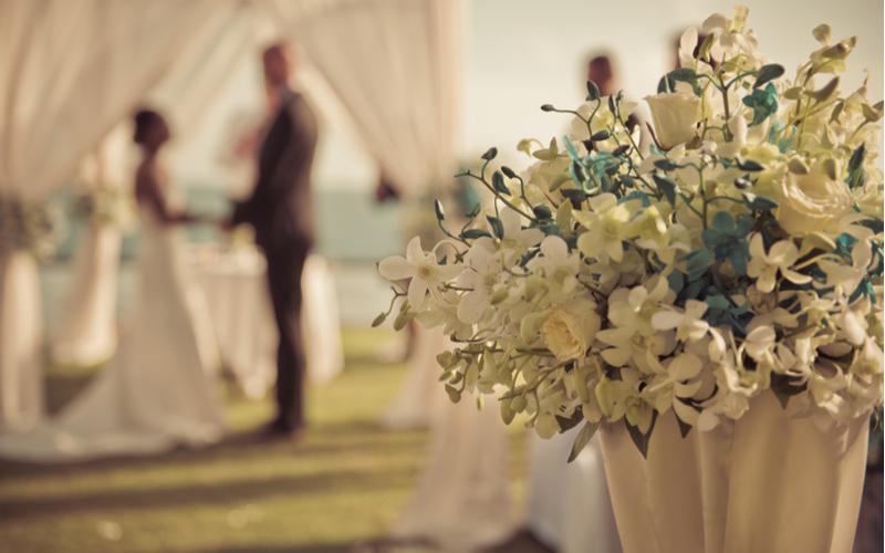 【値下げ交渉は契約前に!】結婚式の費用を抑えるコツ5つ