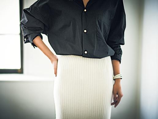 【腰まわりスッキリ♡】トレンドのニットスカート、こうはけばいいんです!