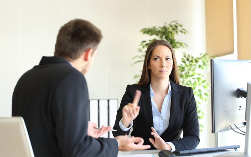 既婚の上司に誘われたら…?不倫を断る方法3つ
