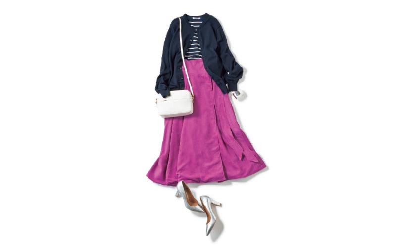 シンプルなボーダーはピンクのスカートでフェミニンに【1/21のコーデ】