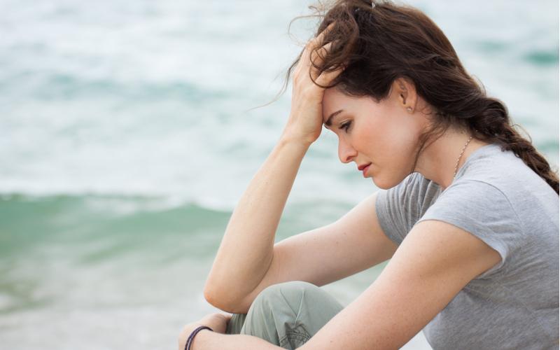 「ダメとわかっても抜けられない…」婚活に疲れて不倫に走った女性の本音3つ