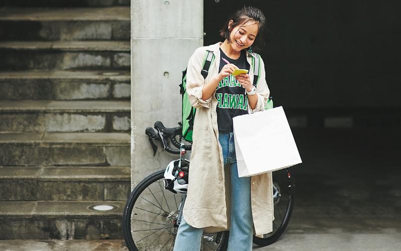 ボーイッシュなデニムスタイルを今年っぽく見せる羽織りとしてのシャツワンピ【今日のコーデ|着回しDiary】