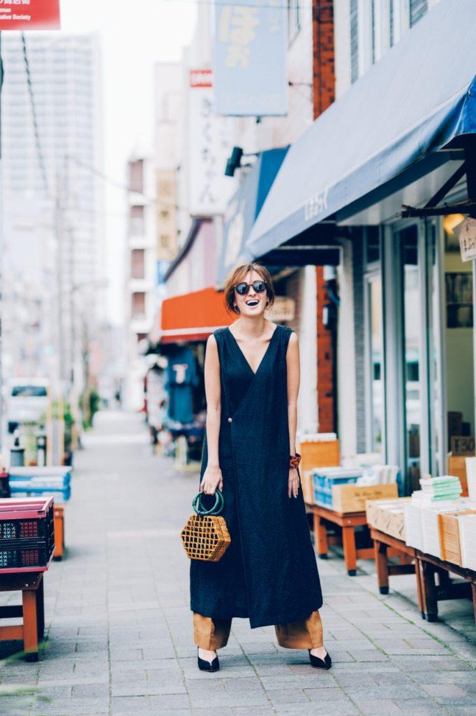 【今日の服装】ロングジレ風ワンピ× キレイめワイドパンツで 大人の重ね着スタイル【アラサー女子】